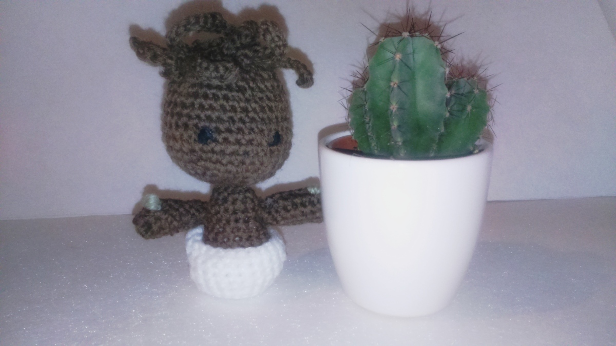 DIY : un baby Groot au crochet (traduction du modèle de 53stitches)