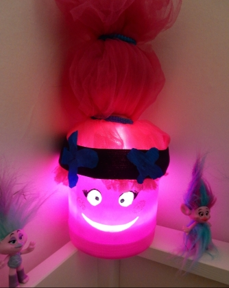 Poppy fait la fiesta avec ses amis !